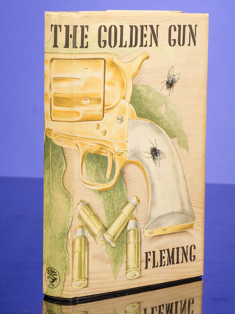Man with the Golden Gun, The. Ian FLEMING, Richard CHOPPING, artist.